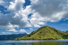 Habitat, Laticauda colubrina, paysage, landscape, sea, ocean, mer, plage, Komodo, Indonesia, Matthieu Berroneau, Komodo, Indonésie